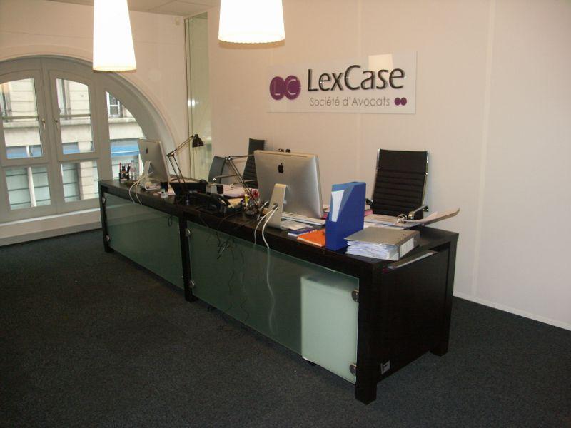 Bureau pour le cabinet d 39 avocat lexcase la fabrique for Bureau avocat meuble