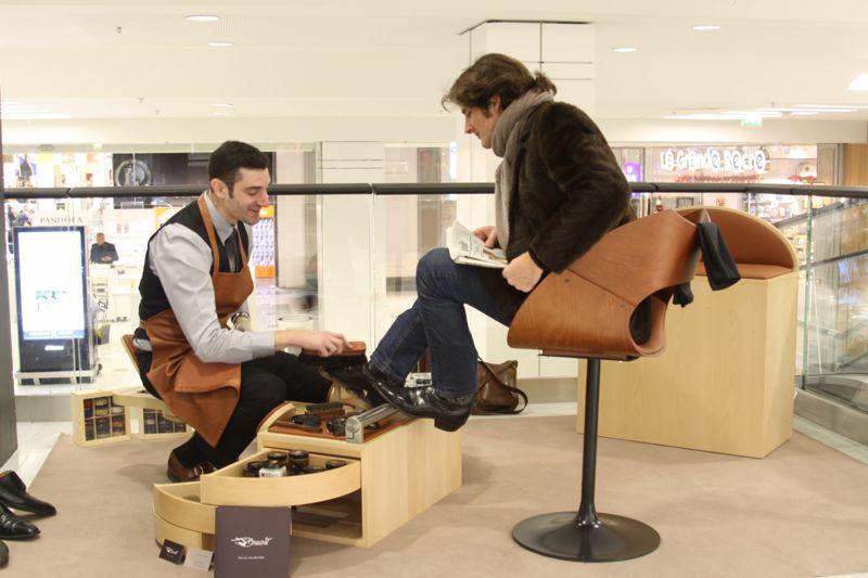les cireurs meuble pour les cireurs de chaussures la fabrique. Black Bedroom Furniture Sets. Home Design Ideas