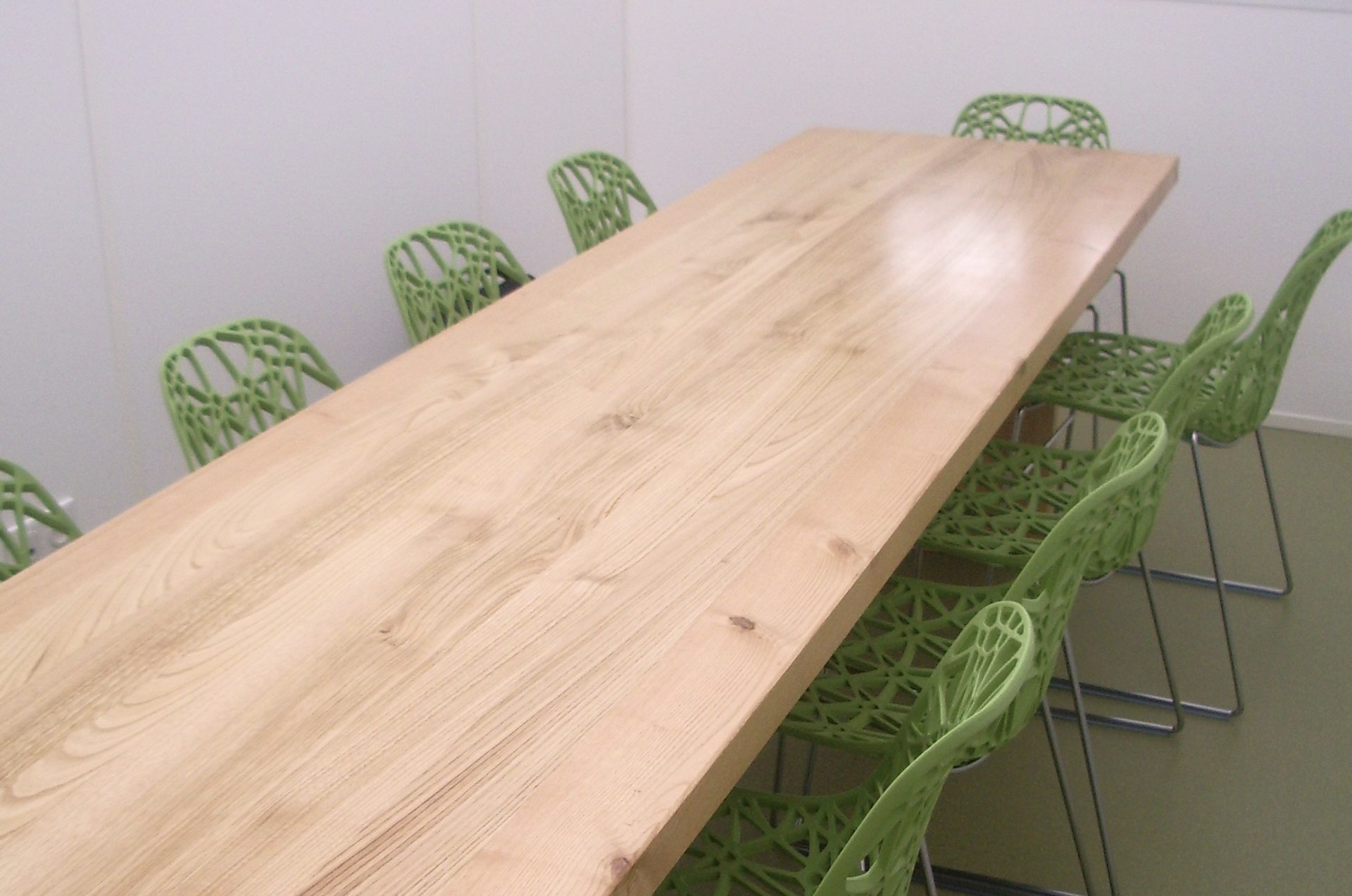 table basse surf guillaume delvigne la fabrique. Black Bedroom Furniture Sets. Home Design Ideas